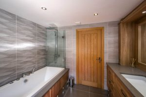 Stunning Bathroom Installed tyle_garw South Wales